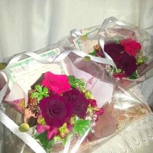 花束贈呈に枯れないお花を